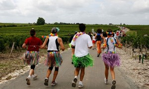 10 cuộc thi chạy kỳ quặc nhất thế giới