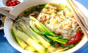 5 quán bún ngon giá chỉ 25.000 đồng ở Hà Nội