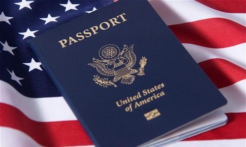 Đằng sau những cuốn hộ chiếu Mỹ