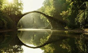 Thế giới mê hoặc dưới ống kính của nhiếp ảnh gia mù màu