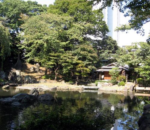 yasukuni-noi-chien-tranh-va-hoa-binh-giang-xe-1