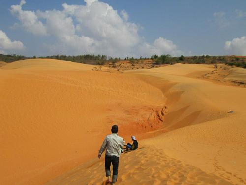 Đồi cát bay Mũi Né  điểm đến lý thú.