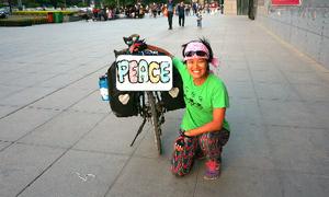 Cô gái mang thông điệp hòa bình trên Con đường tơ lụa