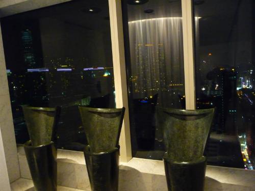 11-toilet-cong-cong-doc-dao-tren-the-gioi-10
