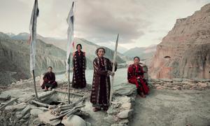 Bộ tộc anh em một nhà lấy chung vợ ở Tây Tạng