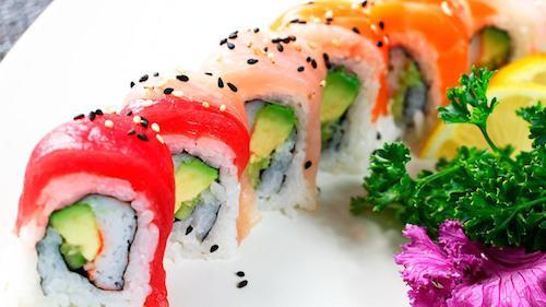 nghe-thuat-lam-sushi-cuoc-choi-khong-chi-danh-cho-dan-ong-o-tokyo