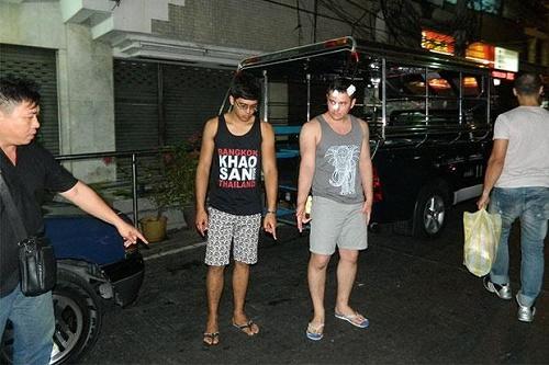 Kamol tường thuật lại cho cảnh sát về vụ tấn công trên phố đi bộ của Pattaya. Ảnh: Chaiyot Phuttanapong