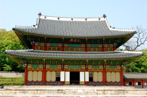 tour-tham-quan-cung-dien-han-quoc-vao-ban-dem-1