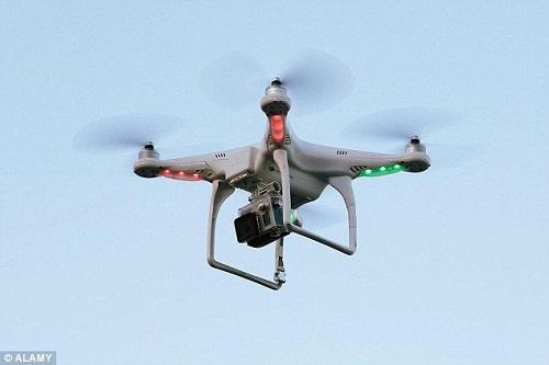 du-khach-bi-phat-113000-euro-vi-chup-anh-bang-flycam