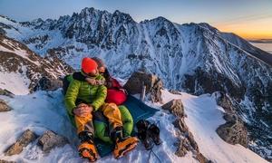 Đôi tình nhân hẹn hò cuối tuần trên những đỉnh núi