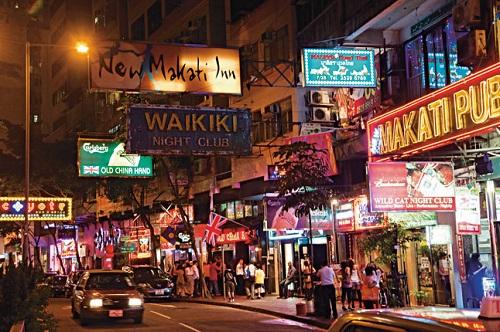 Một khi đã đặt chân tới Wanchai, bạn sẽ nghiện cuộc sống phóng khoáng và thoải mái của những con người nơi đây. Ảnh: Fasttrack