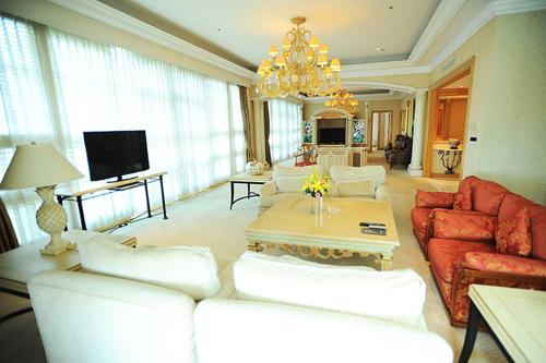 Căn phòng tổng thống Bill Clinton từng ở tại khách sạn Daewoo.