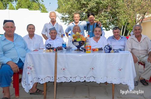 Được tham dự đám cưới ở Tashkent  trong ảnh là các vị trưởng lão họ nhà gái.