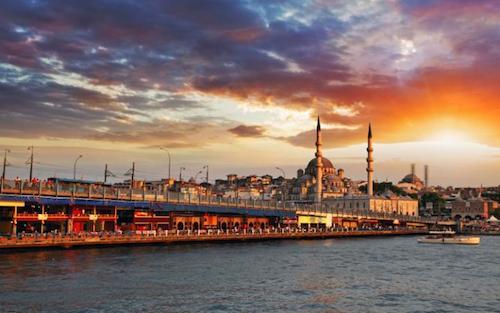 Istanbul nằm trong tốp điểm đến được ưa thích nhất thế giới. Ảnh: Telegraph.