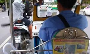 Màn ám hiệu để cướp của du khách ở Thái Lan
