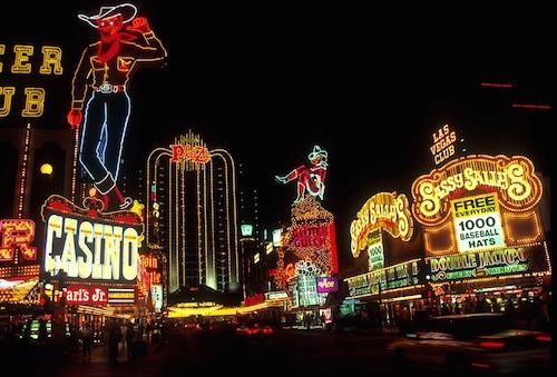 Khách sạn và sòng bạc có mối quan hệ vô cùng mật thiết ở Las Vegas. Ảnh: Pixabay.