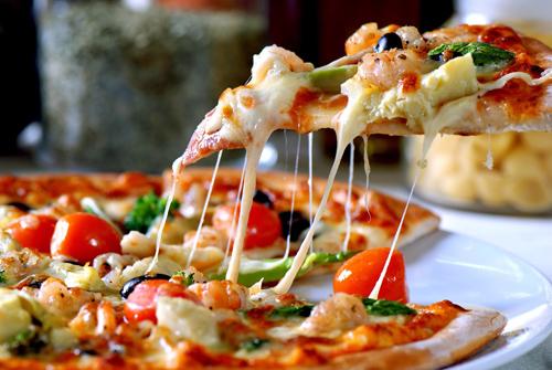 chiec-pizza-mang-ten-cua-nu-hoang-4