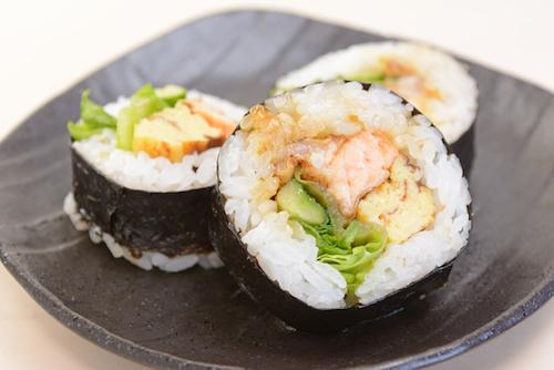 5-bien-the-pho-bien-cua-mon-sushi-4