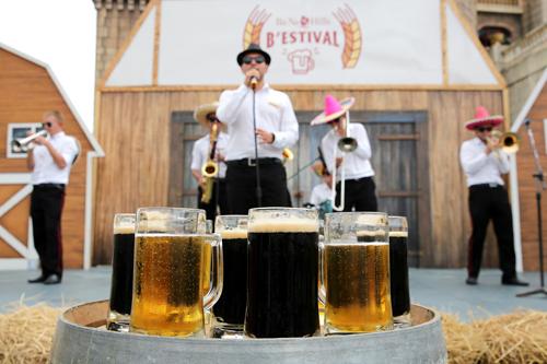 Bestival Bà Nà Hills 2016 là lễ hội bia được tổ chức lần đầu tiên tại khu du lịch Bà Nà Hills (Đà Nẵng). Tiếp nối chuỗi lễ hội đặc sắc liên tục diễn ra tại Bà Nà Hills từ đầu năm tới nay như lễ hội Hoa xuân, lễ hội mùa hè, Lễ hội rượu vang& Lễ hội bia Bestival 2016 thêm điểm cộng hấp dẫn khiến du khách khắp mọi miền không thể bỏ lỡ trên hành trình khám phá Đà Nẵng- điểm đến hấp dẫn hàng đầu Việt Nam.