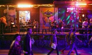 Cuộc sống thác loạn về đêm ở Berlin