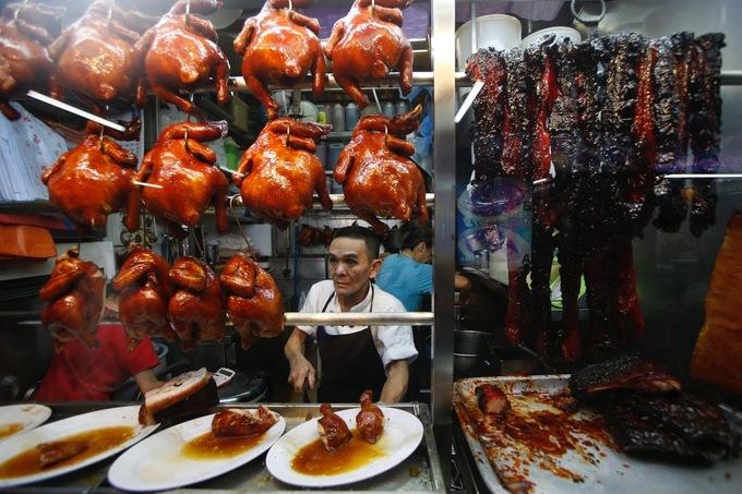 Đầu bếp đường phố Singapore lo thiếu người nối nghiệp khi về hưu