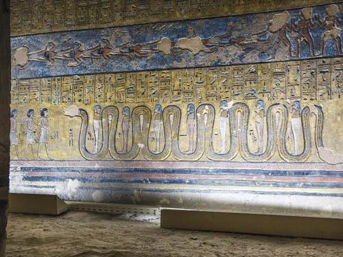 nhung-buc-anh-hiem-hoi-ben-trong-lang-mo-pharaoh-o-ai-cap-8