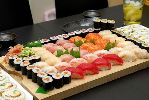 nguoi-nhat-chua-bao-gio-sang-tao-ra-sushi-ca-hoi-2