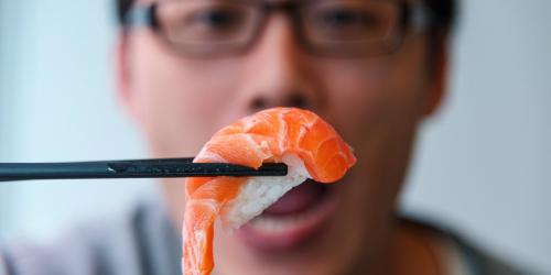 nguoi-nhat-chua-bao-gio-sang-tao-ra-sushi-ca-hoi