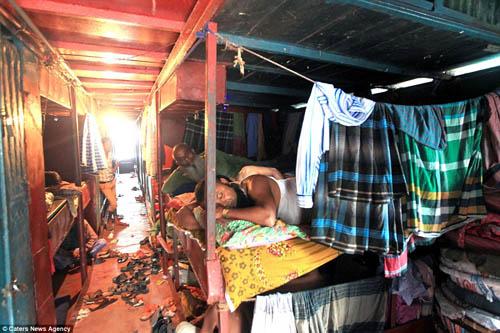 khach-san-gia-chua-bang-chiec-banh-mi-o-bangladesh-2
