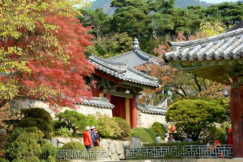 Ngôi chùa này được xếp loại danh lam thắng cảnh và lịch sử số 1 của Hàn Quốc