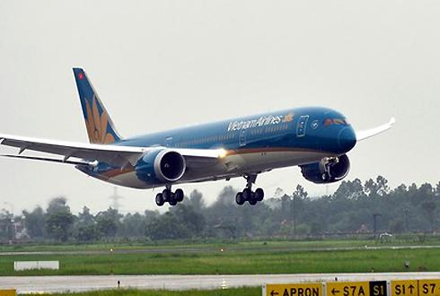 Đoàn khách du lịch được vận chuyển bằng Boeing 787. Ảnh: Xuân Hoa.