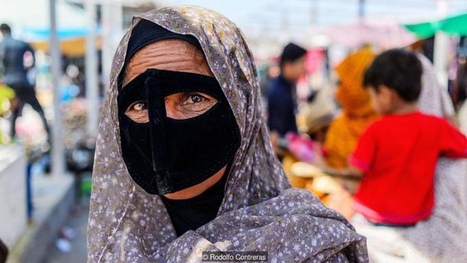 Mặt nạ bí ẩn của phụ nữ Iran