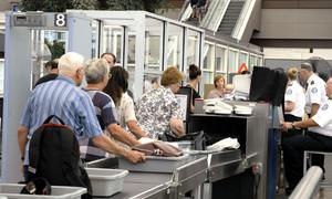 An ninh sân bay thế giới khác nhau như thế nào?