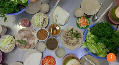 Hoàng Ty  70 Võ Văn Tần, P.6, Q.3 Nói đến Hoàng Ty là nhắc đến bánh tráng cuốn thịt heo thái mỏng, ăn kèm dứa, dưa chuột, cà rốt thái lát và các loại rau thơm, chấm cùng mắm nêm. Theo Bao La, đây là món ăn tuyệt vời cho những ngày nắng nóng ở Sài Gòn.