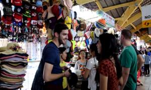Khách Tây kể chuyện đi chợ Bến Thành