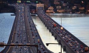 Cây cầu nổi trứ danh của thành phố Seattle