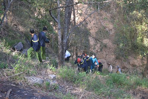 12h30 ngày 23/2 lực lượng chức năng địa phương đã vớt được xác 2 nạn nhân.
