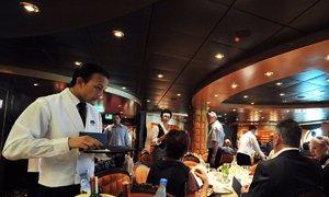 Nhân viên tiết lộ công việc cực nhọc trên du thuyền