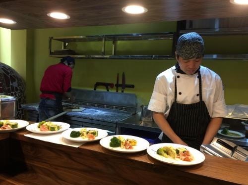 thuong-thuc-pizza-italy-phong-vi-nhat-ban-tai-trattoria-tomato-8