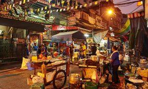 Bangkok rút lệnh dẹp tiệm, chủ quán không được rửa bát trên vỉa hè