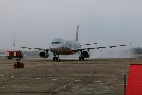 Việc đa dạng các hãng hàng không cũng khai thác trên một đường bay đã tạo ra sự cạnh tranh về giá.