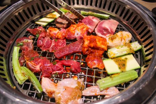 tiec-buffet-tram-mon-sake-sangria-tai-sumobbq-3