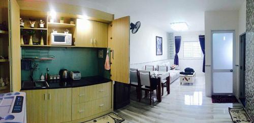 Khách có thể tự đi chợ mua hải sản và thức ăn về chế biến hoặc tự do giặt sấy và vệ sinh phòng ở của các bạn đến khi nào bạn muốn trả phòng - See more at: http://lananhhotel.com.vn/homestay-lan-anh-36-xuan-dieu-tp-quy-nhon-binh-dinh/#sthash.vT5TGrYd.dpuf