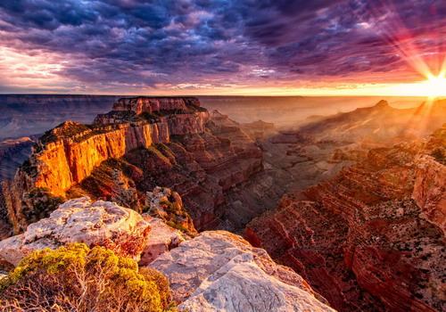 Bờ Tây nước Mỹ nổi tiếng với những công viên địa chất có vẻ đẹp hùng vĩ.