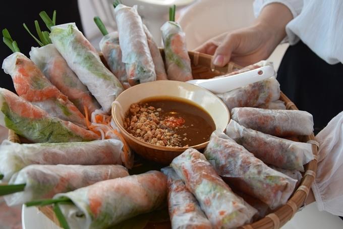 10 món ngon làm nên thiên đường ăn vặt Sài Gòn