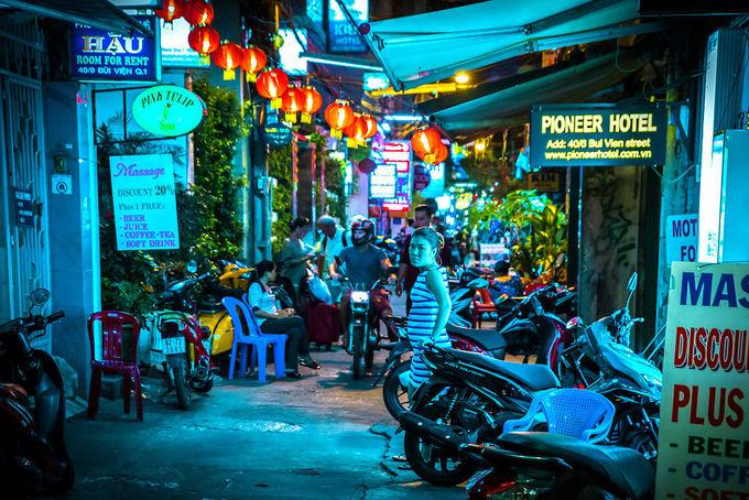 Đêm Việt Nam 'diệu kỳ' trong mắt khách Tây