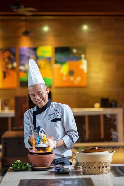 Thưởng thức hương vị của biển cả cùng những món ăn hấp dẫn  được thực hiện dưới bàn tay của các bếp trưởng tài hoa