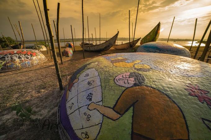 Bộ tranh thuyền thúng đầu tiên và nhiều nhất Việt Nam