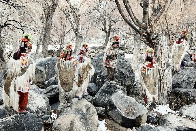 Bộ tộc có tục tự do đổi vợ trên đỉnh Himalaya