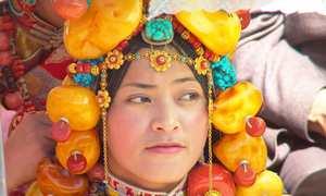 Bộ tộc giàu có và chuyên khoe trang sức ở Tây Tạng